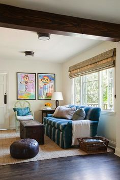 Stretch your decorating dollars with these easy tips and tricks from a real pro. Cottage Living Rooms, Living Room Shelves, Living Spaces, Kid Spaces, Santa Monica, Colonial Style Homes, Spanish Colonial, Decorative Cushions, Decorating On A Budget