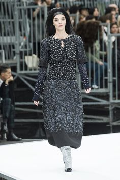 Chanel | Ready-to-Wear - Autumn 2017 | Look 87