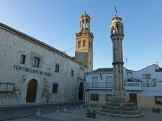 Rollo de Justicia frente al Teatro Lope de Vega en Ocaña