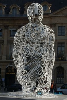 3 sculptures by Jaume Plensa were exhibited at the Place Vendôme, Paris, 15-31 Oct 2012.