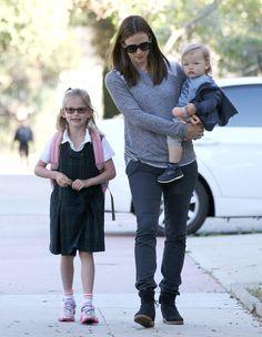 Jenifer Garner off to school with Violet and Samuel!