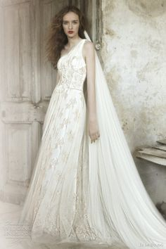 Too bad the castle idea is out, because I would look like a medieval princess in something like this. I do have a Guinevere and Arthur dream, but I might have to find some other way to fulfill it.
