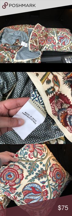 Pottery Barn Full/Queen Duvet Cover Sham Pillow Pottery Barn Full/Queen Haylie Duvet Cover  plus 1 Sham and an accent pillow with insert!!! Great deal. Gently used. Pottery Barn Other