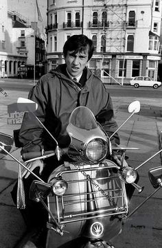 All things Lambretta & Vespa — ….and we all know who this chap is don't we :-) Mod Scooter, Lambretta Scooter, Vespa Scooters, Italian Scooter, Mod Look, Skinhead, Youth Culture, Great Films, Mod Fashion
