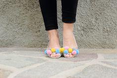 pompom shoes!!! #diy #pompom #shoes #faidate #scarpe #pompon