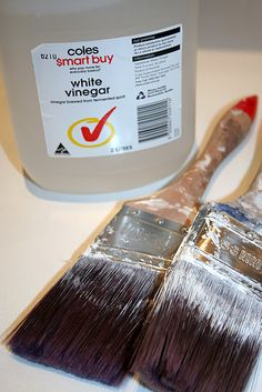 How to Clean your Paint Brush with Vinegar - Bring white vinegar to a simmer in a saucepan, remove from heat and soak brushes for at least 20 minutes then rinse clean