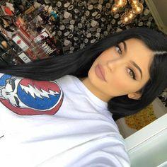 "169.2k Likes, 447 Comments - Kylie Cosmetics (@kyliecosmetics) on Instagram: ""boss lady wearing Maliboo Matte Lip today """