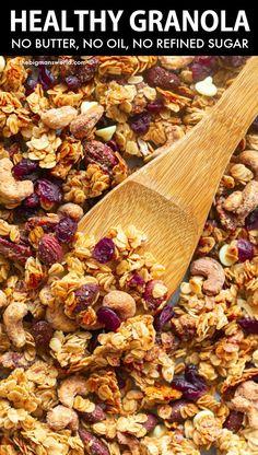 Low Sugar Granola, Keto Granola, Crunchy Granola, Chocolate Granola, Healthy Dessert Recipes, Healthy Breakfast Recipes, Vegan Recipes, Vegan Desserts, Vegan Food