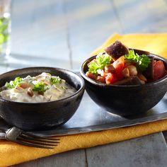 """Munakoiso-kikhernepata ja jogurttikastike. ^_^ Namnam.  """"K-ruoka.fi: Syö sekä edullisesti että hyvin. Tämäkin kasvisruokaresepti vain noin 1,40 €/annos."""""""