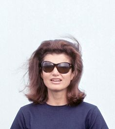 Jacqueline = the Queen Jackie Oh, Jaqueline Kennedy, Los Kennedy, Jacqueline Kennedy Onassis, American Modern, Special People, Classy Women, Old Women, Style Icons