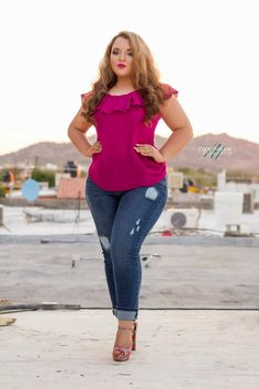 Curvy Girl Fashion Outfits, Plus sized clothing, fashion tips, plus size fall wardrobe and refashion. Fall and Autmn Fashion Outfits Trends for Plus Size. Curvy Girl Fashion, Look Fashion, Plus Size Fashion, Fashion Outfits, Jeans Fashion, Fashion Games, Dress Fashion, Fashion Tips, Plus Size Dresses