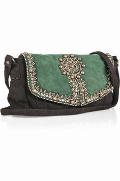 bolso ante? negro y verde con cuentas.