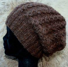 Brun lue med fletter Winter Hats, Design, Fashion, Moda, Fashion Styles, Design Comics, Fashion Illustrations