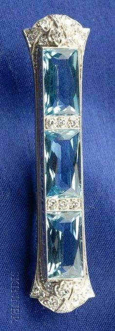 Art Deco Platinum, Aquamarine and Diamond Bar Brooch, Bailey Banks & Biddle