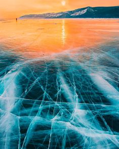 Frozen Lake: Stunning photos by Kristina Makeeva.Located in southern Siberia, Lake Baikal is considered the world's oldest lake and it Lago Baikal, Landscape Photos, Landscape Photography, Nature Photography, All Nature, Amazing Nature, Images Of Frozen, Meditation France, Magic Places