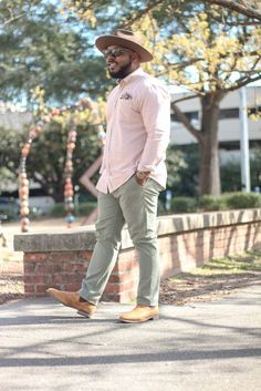 summer outfits for big guys 50 best outfits Chubby Men Fashion, Mens Plus Size Fashion, Large Men Fashion, Preppy Mens Fashion, Best Mens Fashion, Mode Masculine, Outfits For Big Men, Summer Outfits, Casual Outfits