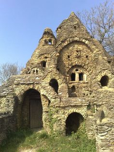 All stone Hobbit House in the Cotswolds - abandoned, amazing - more pics, including interior...:
