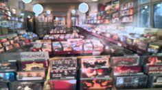 2 1/2 Dimesnional Papiercollagen-Bilder von tom k. Toms, Travel, Vinyl Record Shop, Photo Illustration, Viajes, Trips, Traveling, Tourism, Vacations