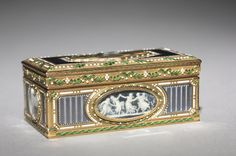 François Chazeray (French), gold and enamel, Overall: 2.90 x 3.85 cm (1 1/8 x 1 1/2 inches). Gift of Mrs. Edward B. Greene 1958.124