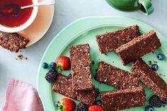 Barres au chocolat, à la noix de coco et aux grillons sans cuisson | recettes.qc.ca