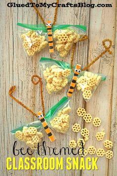 Honeycomb Bee Themed Classroom Snack Idea, Honeycomb Bee Themed Classroom Snack Idea - Spring Themed Snacks - Non-Candy Gift Idea - Kid Craft Tutorial - Kids In The Kitchen. Classroom Snacks, Preschool Snacks, Classroom Themes, Preschool Crafts, Bee Activities, Class Snacks, Vbs Crafts, Spring Activities, Kindergarten Classroom