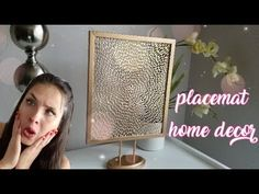 Vero Vi 💋 HAZ UN ADORNO GENIAL DESPUES DE COMER! placemat home decor 💜 Placemat, Youtube, Diy, Frame, Ideas, Home Decor, Ornaments, Picture Frame, Decoration Home