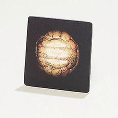 Notizmagnet für Fußballfans - Fotos der original gespielten Bälle der Weltmeisterschaften, Europameisterschaften und Olympiaden