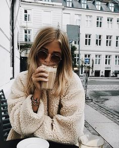 30 Chic Fall / Winter Outfit Ideas - Street Style Look. Street Style Outfits, Looks Street Style, Mode Outfits, Looks Style, Looks Cool, Winter Outfits, Style Me, Trendy Outfits, Foto Fashion
