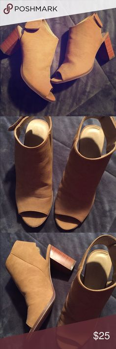 Open toe nude shoes camel shoes Open toe nude shoes camel shoes size 8.5 classified Shoes Ankle Boots & Booties