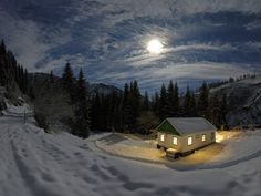 House in Winter Wallpapers Pictures Photos Images Lit Wallpaper, Nature Wallpaper, Scenery Wallpaper, 1080p Wallpaper, Wallpaper Downloads, Cold Moon, Winter Moon, Winter Light, Cabin In The Woods
