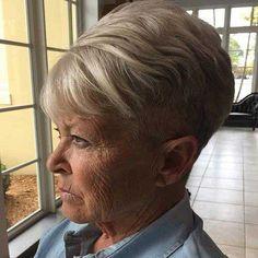 Splendidi tagli di capelli corti per le donne anziane 722865dc1834