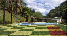 Casa Edmundo Cavanelas, Petrópolis, Brasil, Burle Marx, 1954