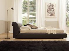 Letto Passion LA FALEGNAMI. Un design innovativo su linee di aristocratica classicità. La camera da letto viene interpretata con raffinato gusto. L'altezza e la forma della testata, in pelle naturale trapuntata a rombi, favoriscono un appoggio molto rilassante. Esclusiva ed appagante sensazione di lussuria. Lounge, Couch, Bedroom, Fabric, Furniture, Design, Home Decor, Shape, Beds