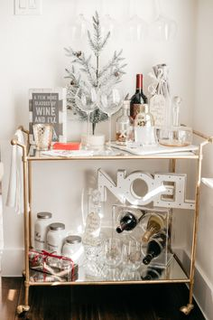 """Excellent """"bar cart decor inspiration"""" detail is available on our internet site. Read more and you will not be sorry you did. Bar Cart Styling, Bar Cart Decor, Style At Home, Kitsch, Wine Cart, Gold Bar Cart, Home Coffee Stations, Christmas Home, Christmas Decor"""
