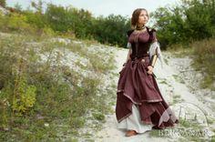 """Средневековый костюм """"Лучница"""". Кожаный корсет, верхнее платье и нижняя туника."""