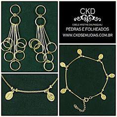 Pulseira de medalhinhas e brincos com argolas! www.ckdsemijoias.com.br