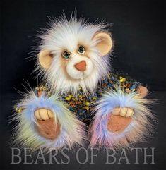 Rainbow a 10-11 inch Artist Bear by Carol's Bears of Bath #BearsofBath Royal Blue And Gold, Main Colors, How To Introduce Yourself, Sculpting, Pattern Design, Bears, Teddy Bear, Fur, Rainbow
