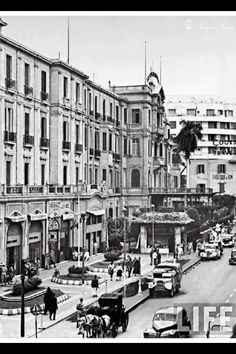 Exterior View of Shepheard& Hotel - Cairo In 1942 Old Egypt, Cairo Egypt, Ancient Egypt, Most Beautiful Cities, Beautiful Buildings, Cthulhu, Shepheard's Hotel, Alexandria Egypt, Visit Egypt