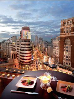 Las mejores vistas de Madrid varios sitios y terrazas de la capital para disfrutar desde las alturas de todo su esplendor,
