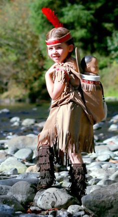 Native American Girl Indian pretend dress up fun  Costume for children toddler size 12 -18 month door MainstreetX op Etsy https://www.etsy.com/nl/listing/207243288/native-american-girl-indian-pretend