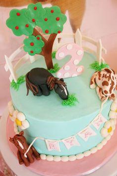 Fondant horse cake