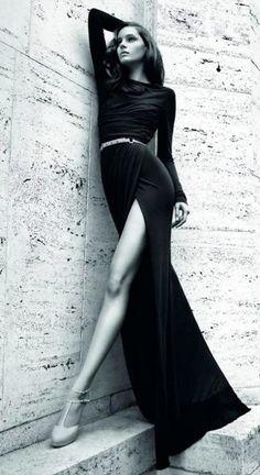 black dress w/fantastic side slit