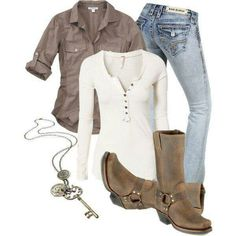casual outfit with boots and jeans – Mode für Frauen Mode Outfits, Casual Outfits, Fashion Outfits, Womens Fashion, Casual Jeans, 20s Outfits, Ladies Fashion, Cowgirl Outfits, Jeans Outfits