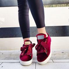 Chic Shoes |   Sneakers ciniglia con laccio in raso