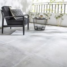 carrelage_perle_effet_pierre_dolce_vita_l_60_x_l_60_cm Outdoor Sofa, Outdoor Furniture Sets, Outdoor Decor, Industrial Flooring, Floor Patterns, Terrace Garden, Concrete Floors, Dining Bench, Loft