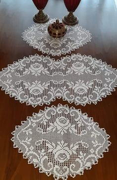 This Pin Was Discovered By Free Crochet Doily Patterns, Filet Crochet Charts, Crochet Designs, Crochet Doilies, Crochet Round, Bead Crochet, Irish Crochet, Crochet Lace, Crochet Table Runner