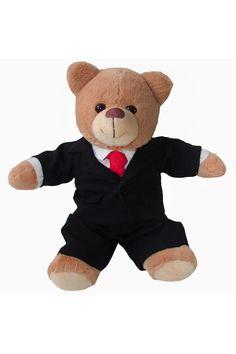 Tierna, elegante, distinto, exitoso. Este oso tiene el disfrazo perfecto para aquellos trabajadores incansables que a diario se la juegan en los negocios. Un oso de peluche para regalar sin ocasión particular. Disponible en el ECommerce de La Confitería, regalos a domicilio en Pereira y 20 ciudades mas de Colombia. Teddy Bear, Animals, Pereira, Gifts For My Boyfriend, Personalized Gifts, Men Gifts, Gift Cards, Bears, Diary Book