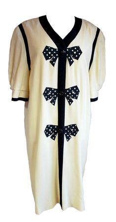 1980s Vintage Cream Mansfield Dress with Bows Size 16/18