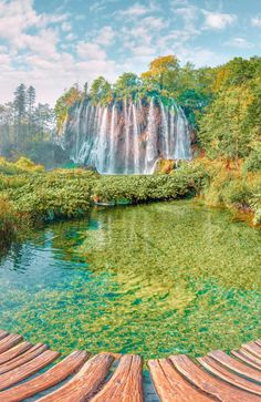 10 Amazing Waterfalls In The World To See