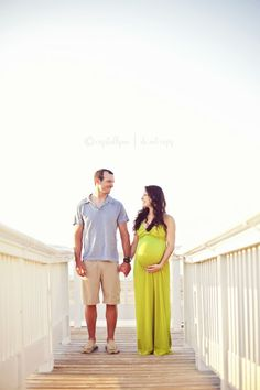 Best photography ideas for maternity and newborn pictures! PIN NOW! Outdoor Maternity Pictures, Maternity Poses, Maternity Portraits, Maternity Photography, Newborn Pictures, Baby Pictures, Baby Photos, Amazing Photography, Photography Ideas